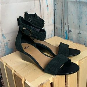 Zoe2 UGG Sandals